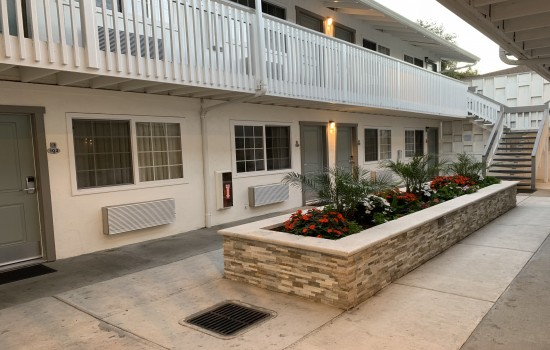 StarGazer Inn and Suites - Landscaping