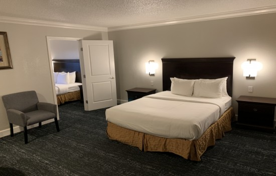 StarGazer Inn and Suites - Suite